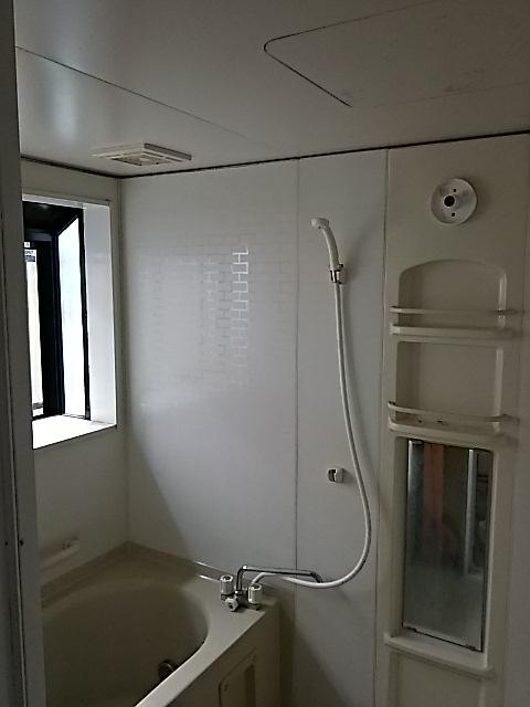 シンプルモダン浴室リフォーム 埼玉県越谷市 施工前
